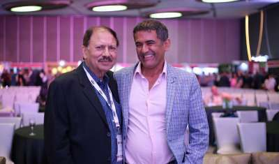 AD Singh, Managing Director Olive Bar & Kitchen (Right) with Subhash Arora, Editor, delWine and President, India Wine Academy (left)